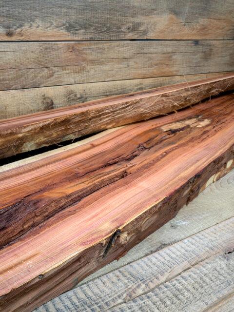 Der typische Charakter vom Pflaumenholz bleibt erhalten