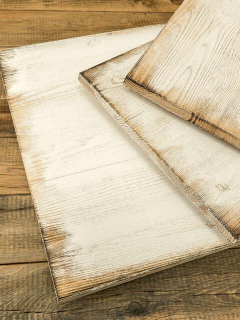 Strukturiertes Kiefer Vollholz geflammt und Weiß mit Vintage-Look