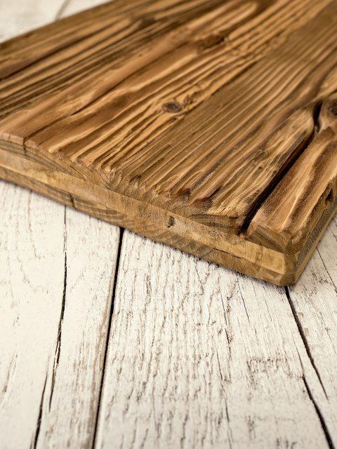 Altholz aus Österreich für die zweite Verwendung als individuelles Holzbild