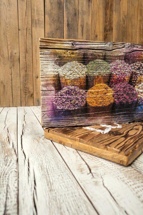 Holzbilder bringen positive Impulse und Leben nach Hause und ins Büro