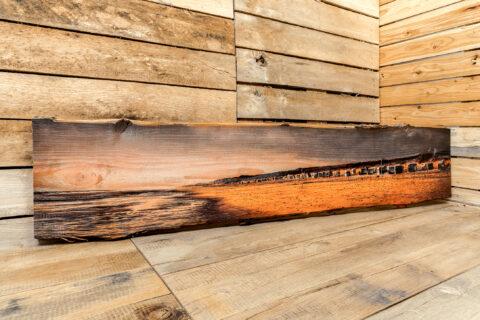 Massivholz Douglasie Rustikal aus horizontal aufgesägten Baumstämmen
