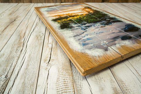 Das Altholz mit seinen unzähligen typischen Gebrauchsspuren ist ein wirklich einzigartiger Werkstoff aus der Natur