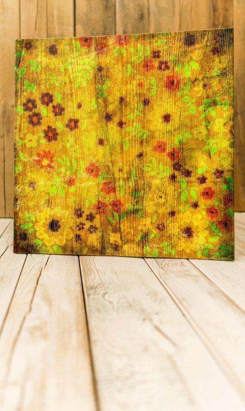Unikate mit ausgeprägten und reliefartigen Oberflächen Die Natur zeigt sich bei den rustikal gebürsteten Kieferplatten von seiner schönsten Seite. Aus intensiven Holzstrukturen entstehen in Handarbeit Unikate mit ausgeprägten und reliefartigen Oberflächen