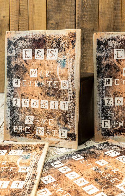 Einladungskarten aus Holz mit natürlichen und lebendigen Touch