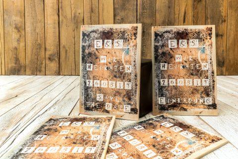 Das Design deiner Einladungskarte mit dem Druck auf Holz aufwerten