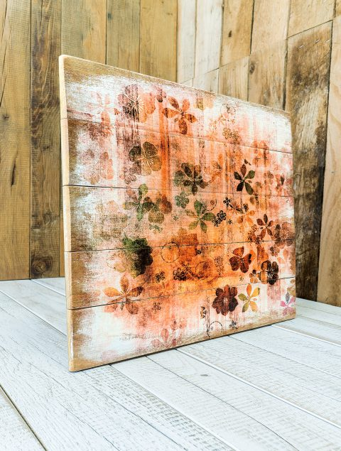 Als zusätzliche Variante kann das Vintage-Holz auch in einer mittleren Holzfärbung mit etwas geringeren Kontrasten gebeizt werden