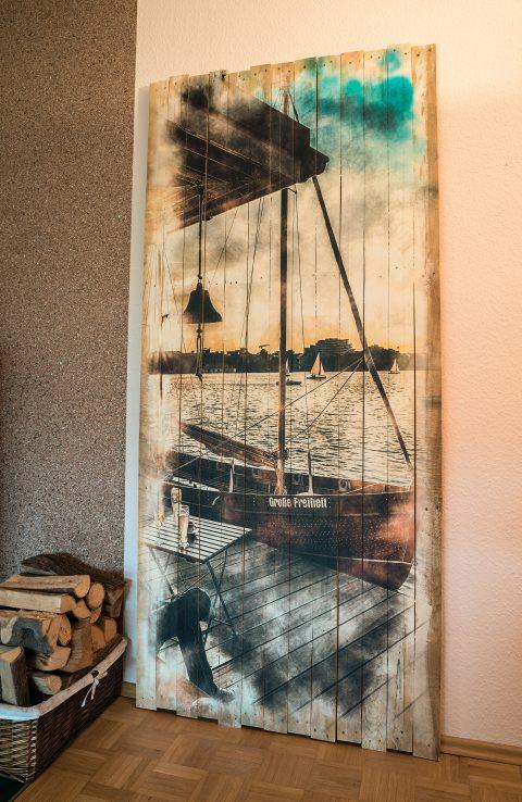 Großflächiges Wanddesign mit zeitgemäßen Loft-Style